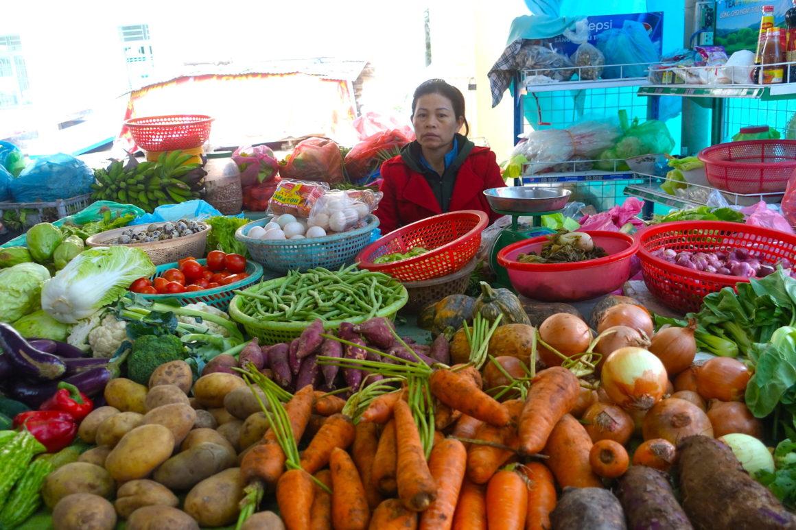 Hoa Chau Market