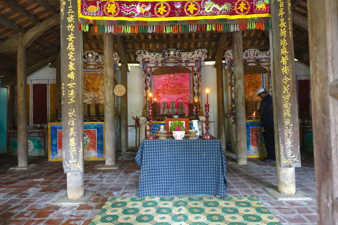 Hoa Chau Family Temple